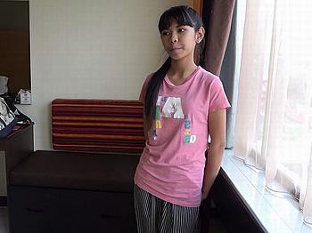 【無料動画】《アジア外国人》ベトナムのスラム街で中学生を購入!ホテルに監禁しズタボロになるまで大量中出しするマジキチJCレイプ映像w | XeroPorn