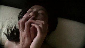 すっぴんでノーメイクの素人の彼女の剛毛おまんこに短小勃起チンポを挿入するハメ撮りSEX個人撮影無修正エロ動画! | XeroPorn