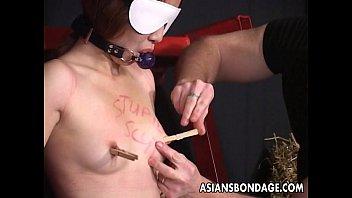 貧乳パイパンおまんこの小娘をSM鬼畜拷問凌辱無修正エロ動画!   XeroPorn