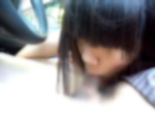 【無修正&個人撮影】車内でフェラ抜き円光する貧乳地味娘さん | XeroPorn
